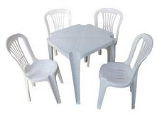 Locação de Mesas, Cadeiras e material para festas e eventos